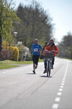 De winnaar van de 10km onderweg